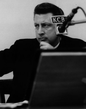 Fred Goerner, circa mid-1960s, behind the microphone at KCBS in San Francisco.